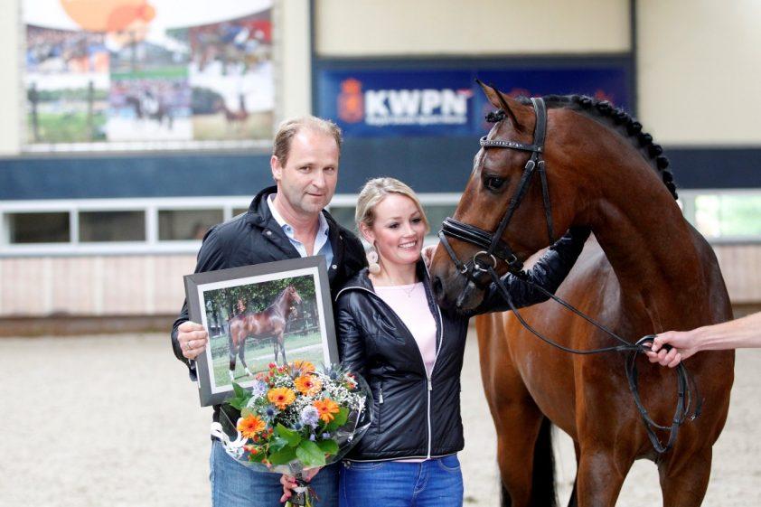 Renate van Uytert-van Vliet in verwachting - Horses.nl