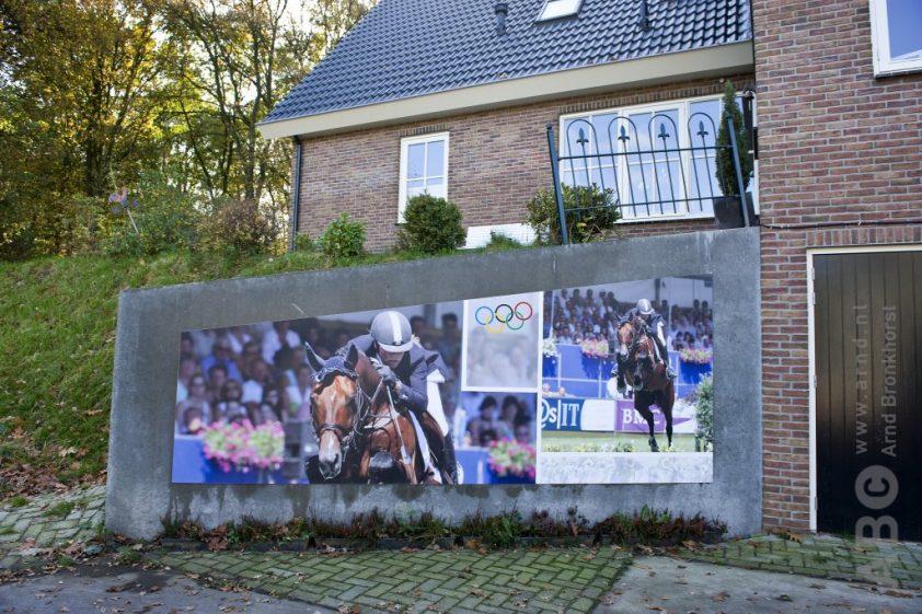 De posters op Manege Blauwendraad na de Olympische Spelen in 2008. Foto: Arnd Bronkhorst / www.arnd.nl