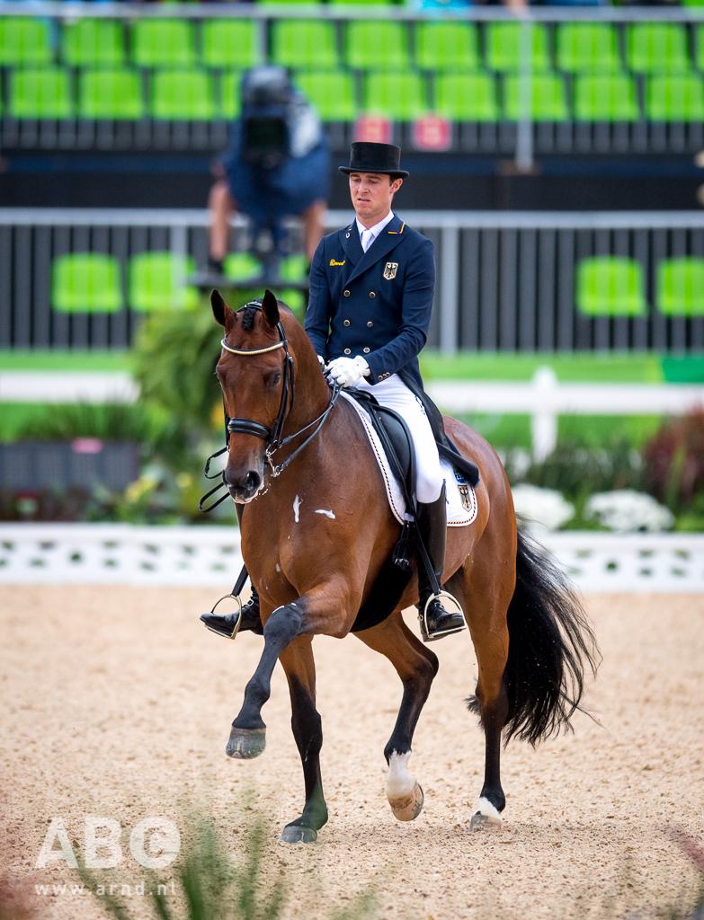 Opnieuw PR voor Rothenberger en Cosmo in Valencia • Horses.nl