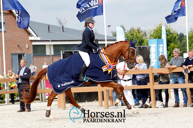 ASCI Green Arrow en Angela Kollee Foto: Melanie Brevink-Van Dijk Paardenkrant-Horses.nl