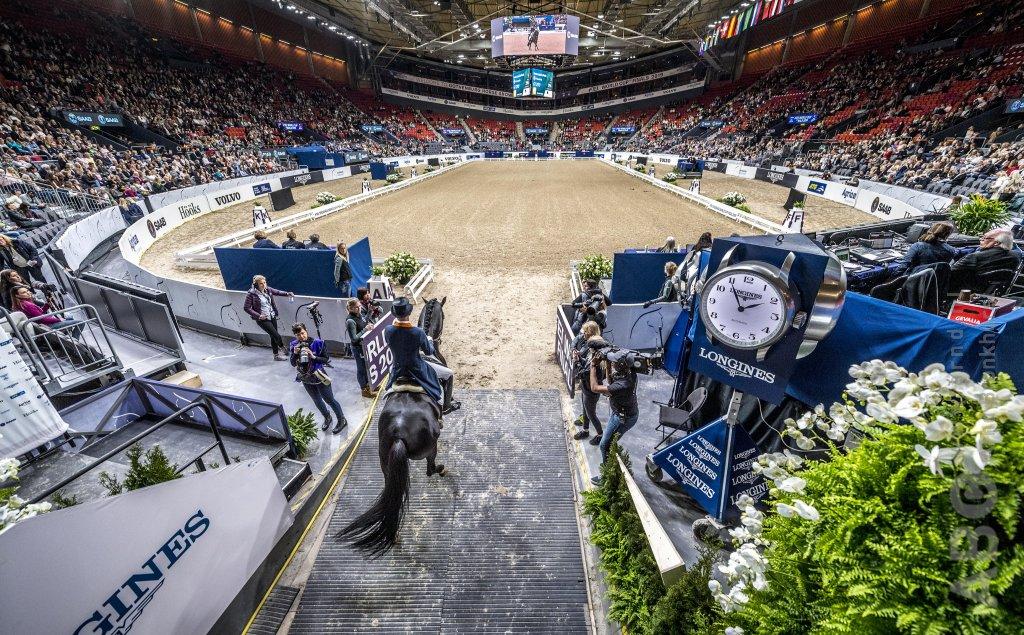 FEI verlengt rhino-wedstrijdstop, Wereldbekerfinale van de baan - Horses.nl